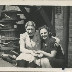 two women friends 1940s