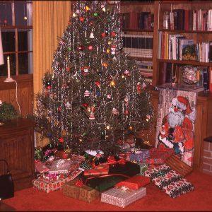 Norfolk living room 12-24-74